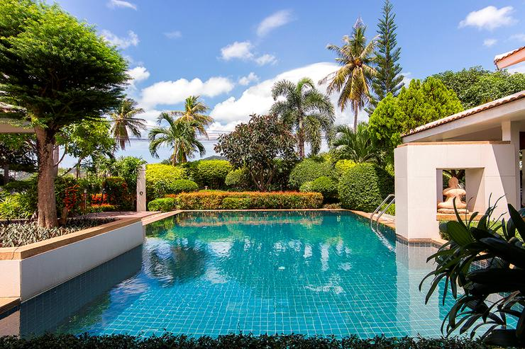 Lovely pool with peaceful surrounding area for complete relaxation