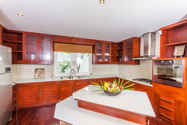 European style kitchen offering all the amenities you need