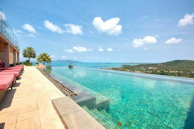 Amazing 25m infinity-edged pool with stunning panoramic ocean-views