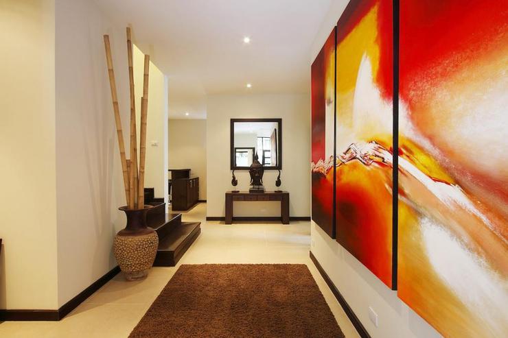 Impressive artwork in the entrance hallway on the ground floor