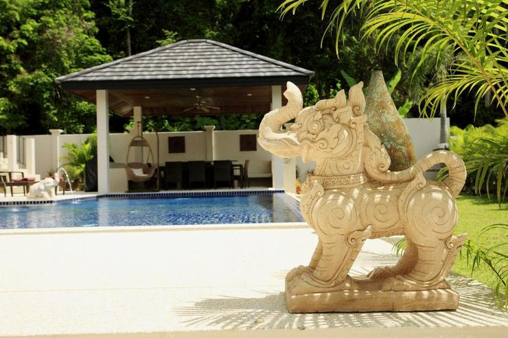 Thai style decorations compliment the villa