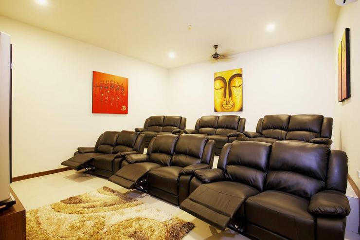 Diamond View (V05) - Cinema room with 12 recliner cinema seats and a selection of the latest movies