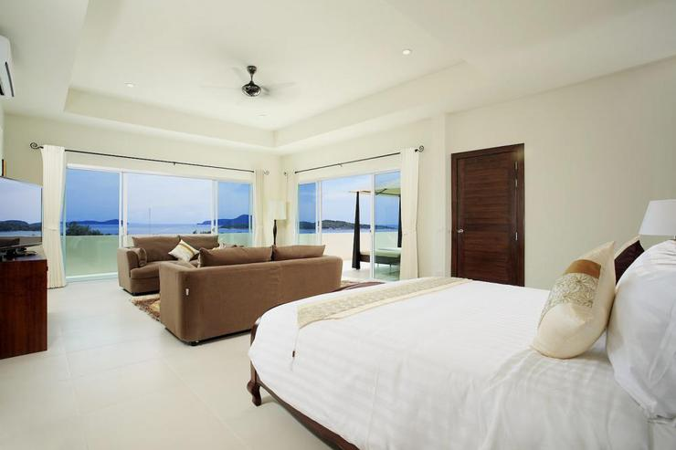 Diamond View (V05) - Master bedroom with king-size bed and en-suite bathroom