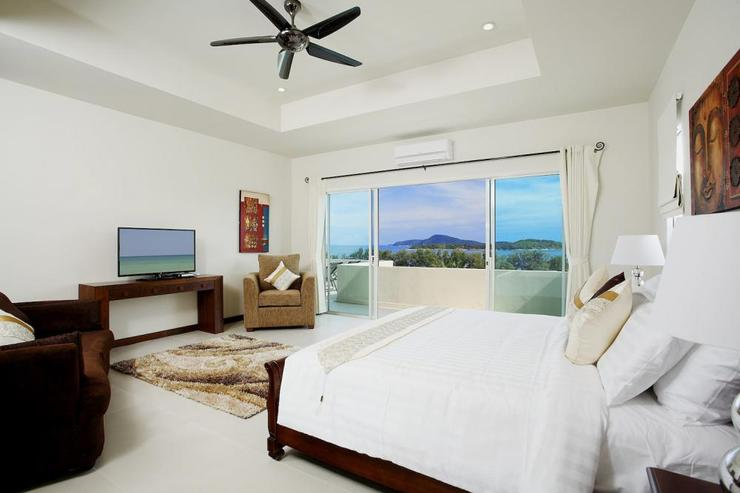 Diamond View (V05) - Bedroom 4 with large sliding door to private balcony and stunning sea views