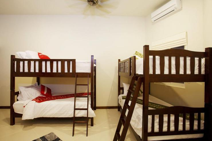 Diamond View (V05) - Bedroom 9 or Maids Room with 2 sets of bunk beds, sleeping 4 extra guests, making a total of 20 guests that can be accommodated