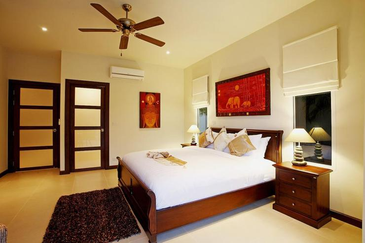 Jade villa (V08) - Bedroom 3 (lower level) with king size bed and en-suite bathroom