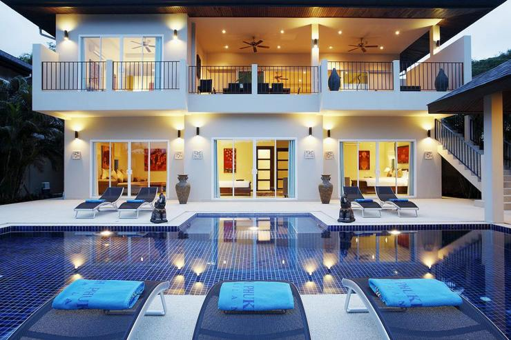 Spacious villa comfortably accommodating up to 16 guests