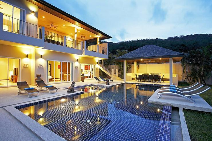 Jade villa (V08) - Ambient lighting ensures guests can enjoy outdoor entertaining late into the evening