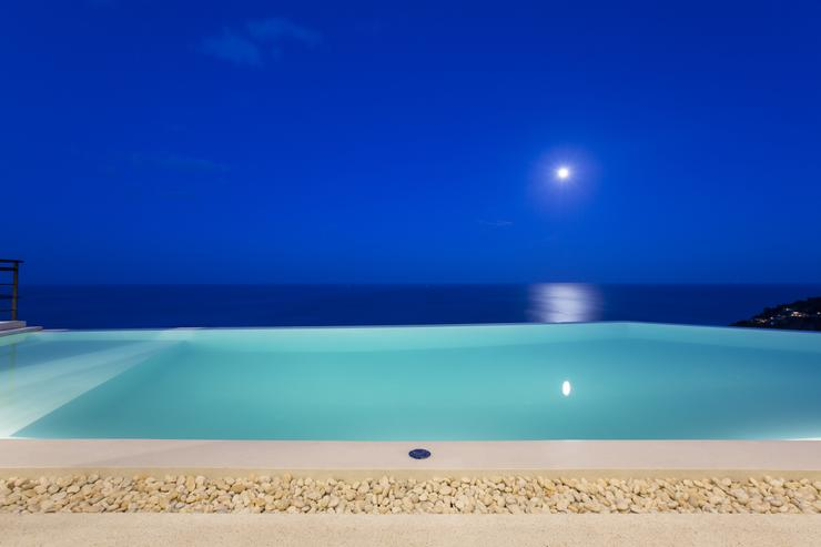 Moon Shadow - Moon Shadow at night - a fitting name for a stunning holiday