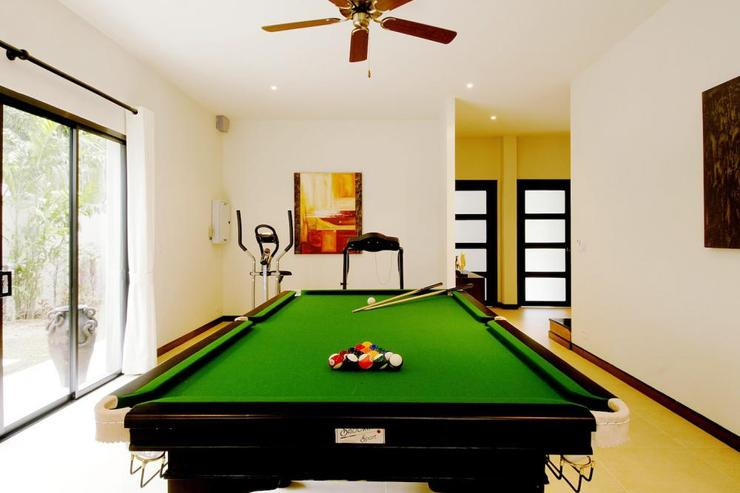 Opal Villa (V11) - Games room, complete with air conditioning and ceiling fan