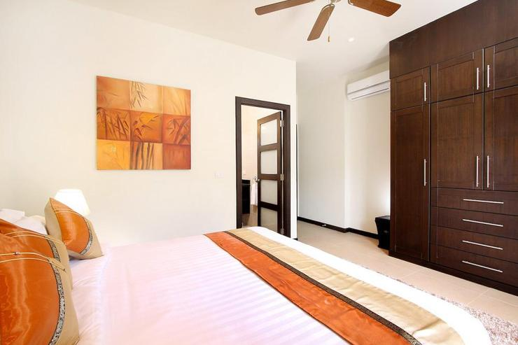 Opal Villa (V11) - Bedroom 4 with en-suite bathroom, air conditioning and ceiling fan
