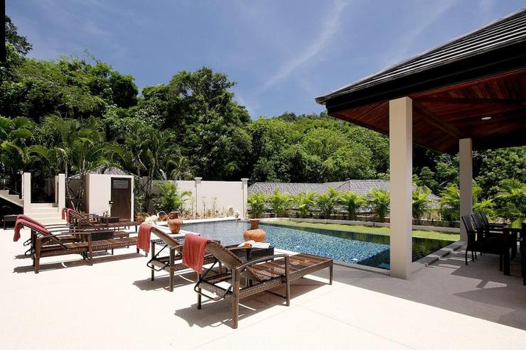 Opal Villa (V11) - The villa is set in a tranquil valley, overlooked by the swimming pool and sundeck