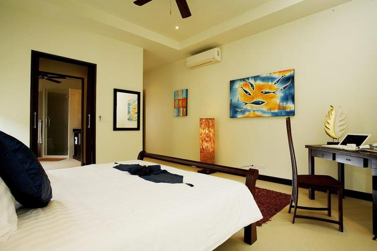 Pearl Villa (V12) - Bedroom 4 with king size bed and en-suite bathroom