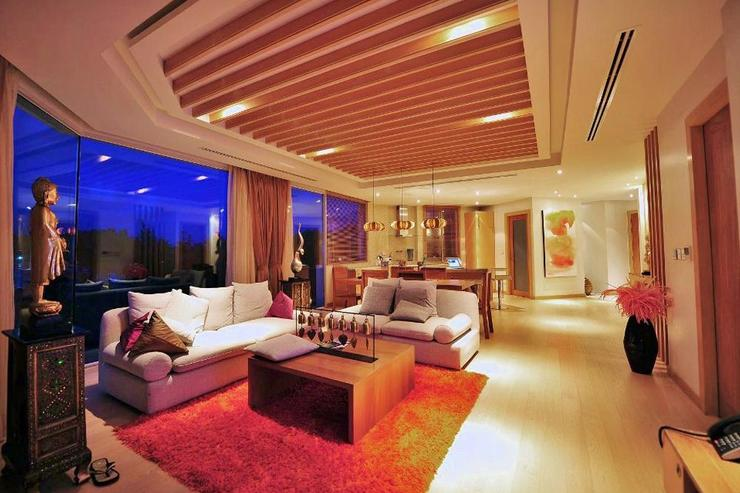 Skybox Beachfront Penthouse - image gallery 13