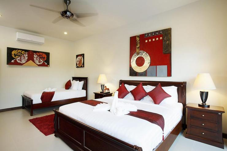 Ruby Villa - Bedroom 3 has a king size bed and offers a single bed, suitable for an extra 7th guests