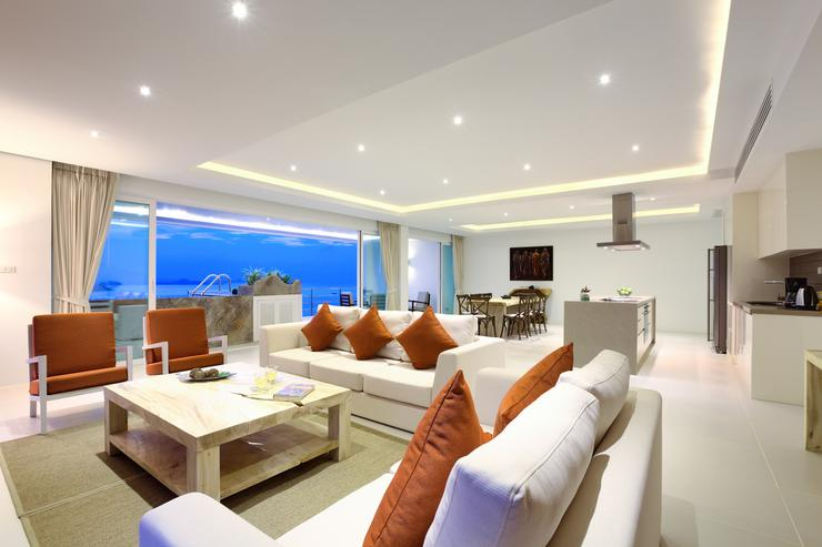 Spacious modern living area