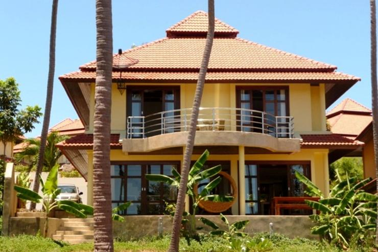 4 bedroom, 3 bathroom villa: perfect for groups or families alike