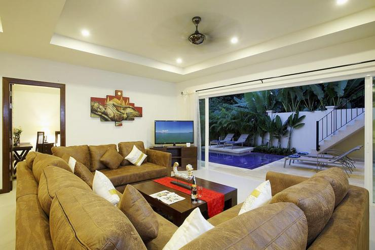 Topaz Villa - Living room, with direct access to swimming pool and sundeck through sliding doors