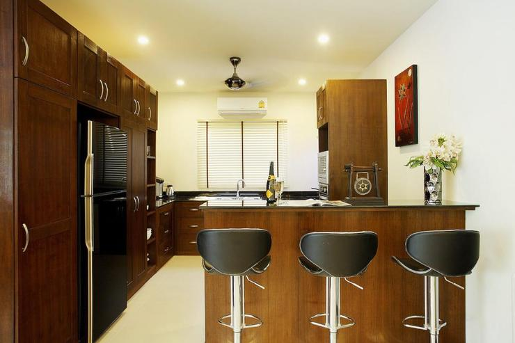 Topaz Villa - Fully-fitted Western kitchen, complete with all appliances