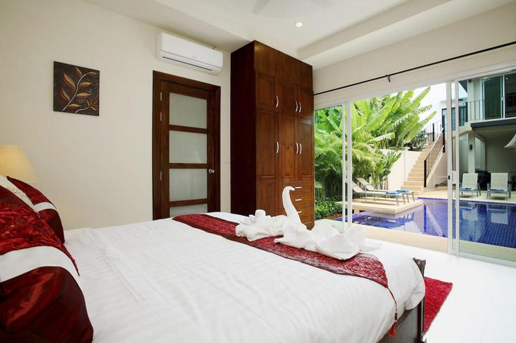 Topaz Villa - Stand alone master bedroom suite with en-suite bathroom and direct access to the pool