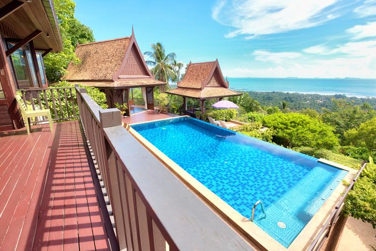 Villa Thai Teak - Offering multiple buildings across the property, with separate en-suite bedrooms