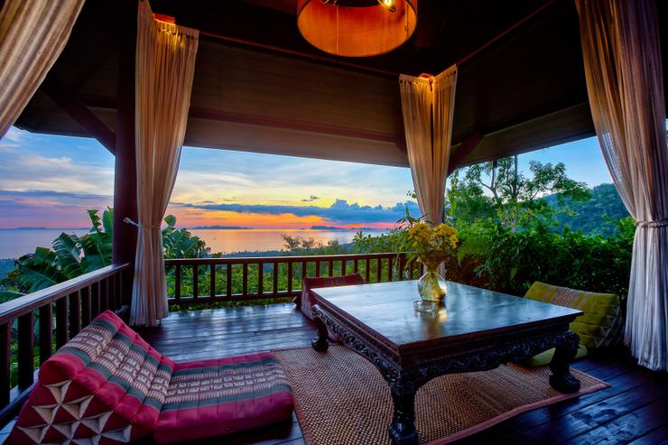 Villa Thai Teak - The sala area - look at those skies
