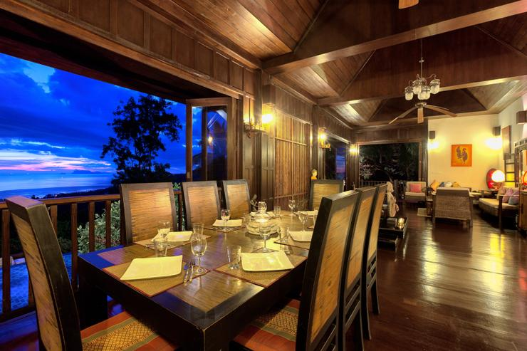 Villa Thai Teak - The dining area with amazing sunset views
