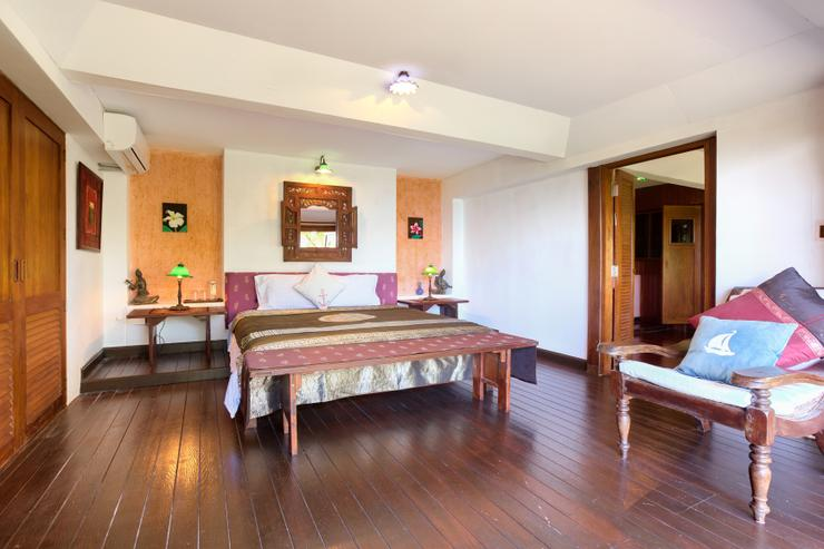En-suite Bedroom 3 - spacious with stunning ocean / sunset views