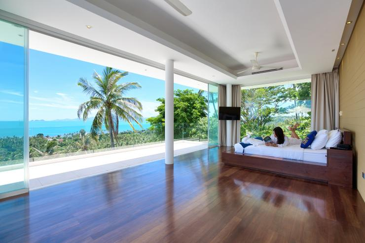 Villa White Tiger - Spacious 35sqm en-suite king-sized bedroom with wow factor panoramic ocean-views