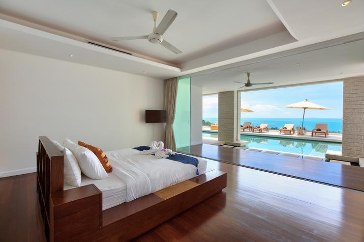 Villa White Tiger - Bedroom 2: en-suite king-sized bedroom with wow factor panoramic ocean-views