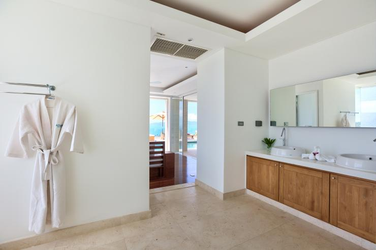 Villa White Tiger - En-suite bathroom 3, tastefully styled and very spacious