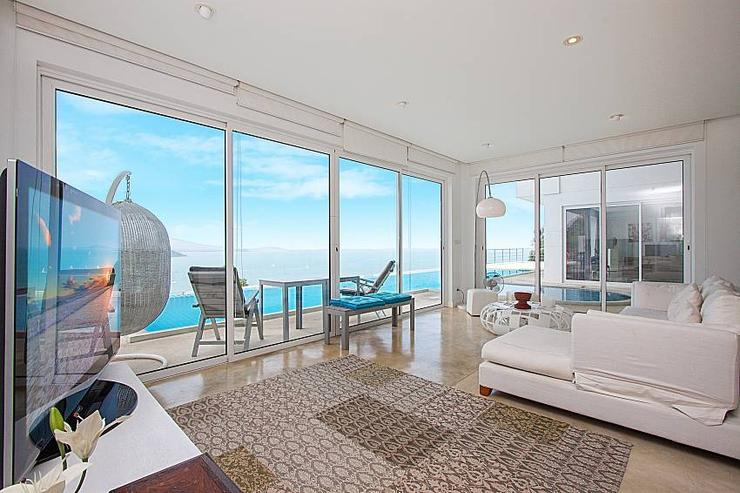 Sirinda Sea View Apartment - image gallery 11