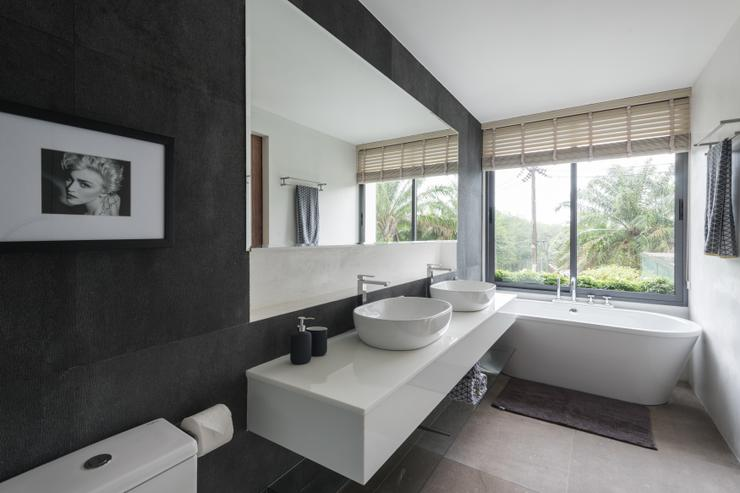 Picasso Villas - Master Ensuite Bathroom at Pablo