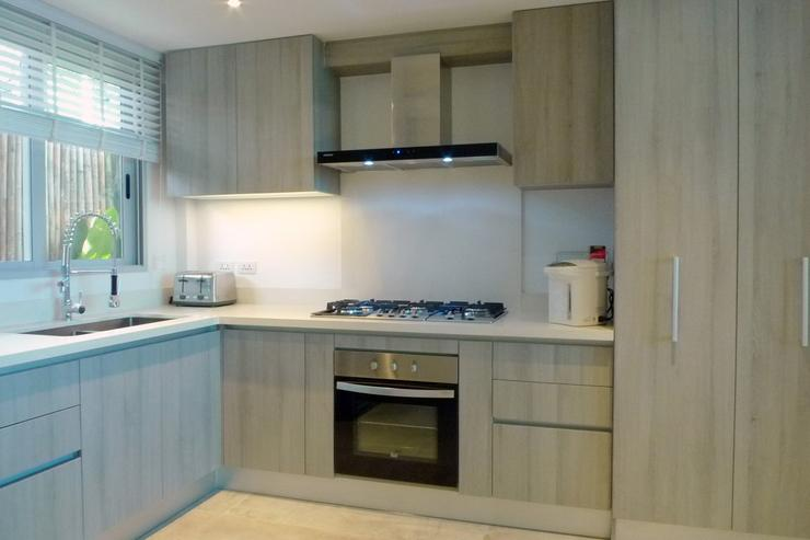 The Beach House - The designer kitchen, with every item of professional cookware and luxury tableware you'll need plus oven, 6 burner hob, juicer, toaster and water boiler.