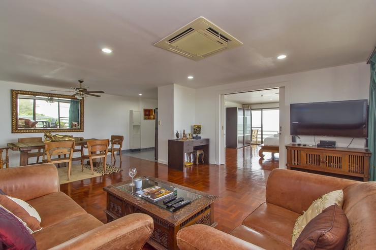 Silver Sands Apartment - image gallery 9