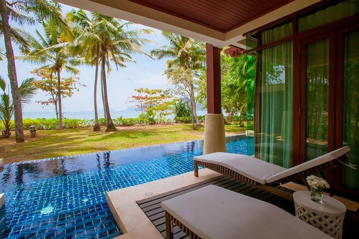 Amatapura Beach Villa Beachfront 6 - image gallery 2